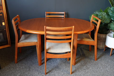 Mid Century Vintage Lauritz M.Larsen Teak Dining Table & 4 Chairs