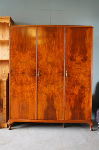 Edwardian Style 1940s/50s Walnut Veneer Lg Wardrobe MAPLE & Co - erfmann-vintage
