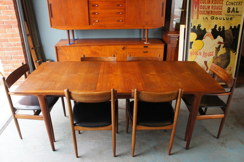 Mid Century Extendable Table & 6 Chairs in Dark Stained Teak - erfmann-vintage