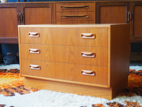 Mid Century G Plan Fresco Chest of Drawers - erfmann-vintage