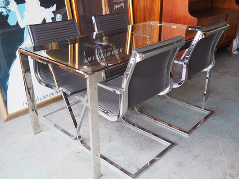 Contemporary Modern Glass & Chrome Dining Table & 4 Leather & Chrome Chairs - erfmann-vintage