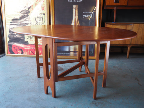 Mid Century Gate-Leg Table Oval Made from Teak - erfmann-vintage