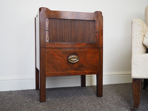Georgian Mahogany Tray-Top Bedside Table c.1800 - erfmann-vintage
