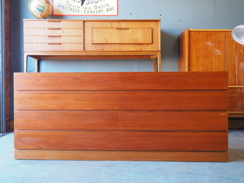 Mid Century Danish Long Dresser Drawers Arne Iversen for Vinde Mobelfabrik - erfmann-vintage