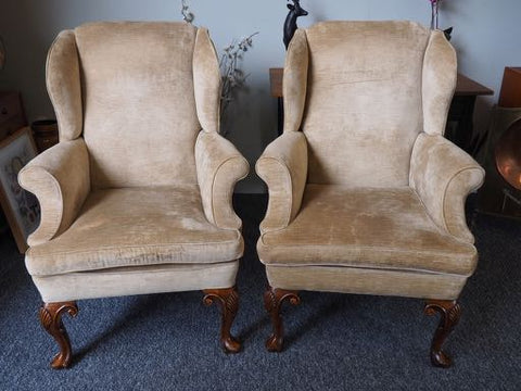 Antique Pair of Early Victorian Wingback Armchairs In Cream/Gold - erfmann-vintage