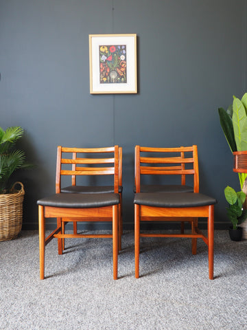 Mid Century Set of Four Vintage Dining Chairs A&FH Furniture New Padded Vinyl - erfmann-vintage