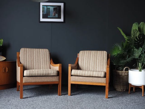 Mid Century Vintage Danish Pair of Club Chairs Armchairs Walnut Frame