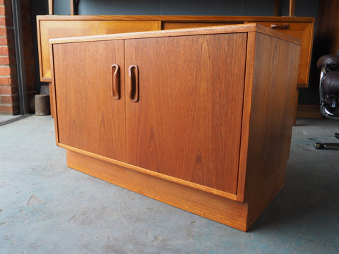 Mid Century Single Short Cabinet TV Stand G-Plan Fresco Range 1960s - erfmann-vintage