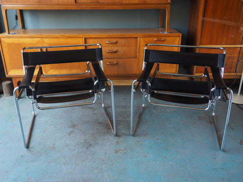 Reproduction Wassily Chairs Black Leather - 2 available 1980s - erfmann-vintage