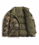 THE NORTH FACE MEN'S NOVELTY NUPTSE JACKET - BURNT OLIVE GREEN WOODCHIP CAMO PRINT/BURNT OLIVE GREEN