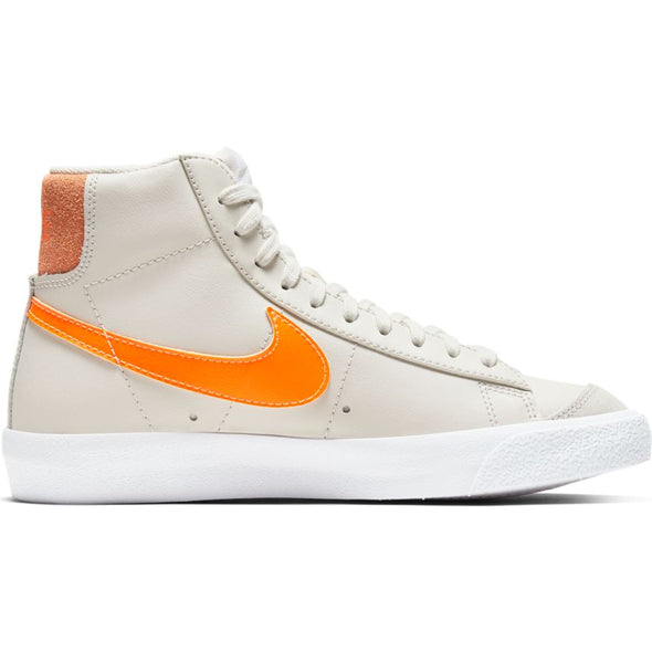 WMNS NIKE BLAZER MID '77 - LIGHT BONE/TOTAL ORANGE- ORANGE TRANCE