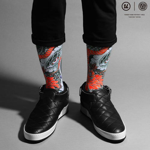 "THREE TIDES TATTOO × UBIQ ""IREZUMI"" SOCKS Hevi & Botan Designed by MUTSUO"