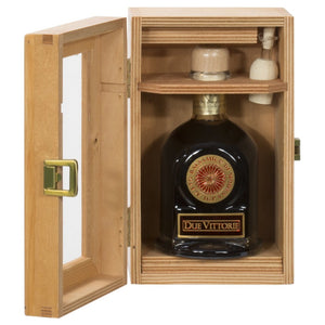 Personalized Due Vittorie Oro Balsamic Vinegar & Pourer in Wooden Gift Box 250ml