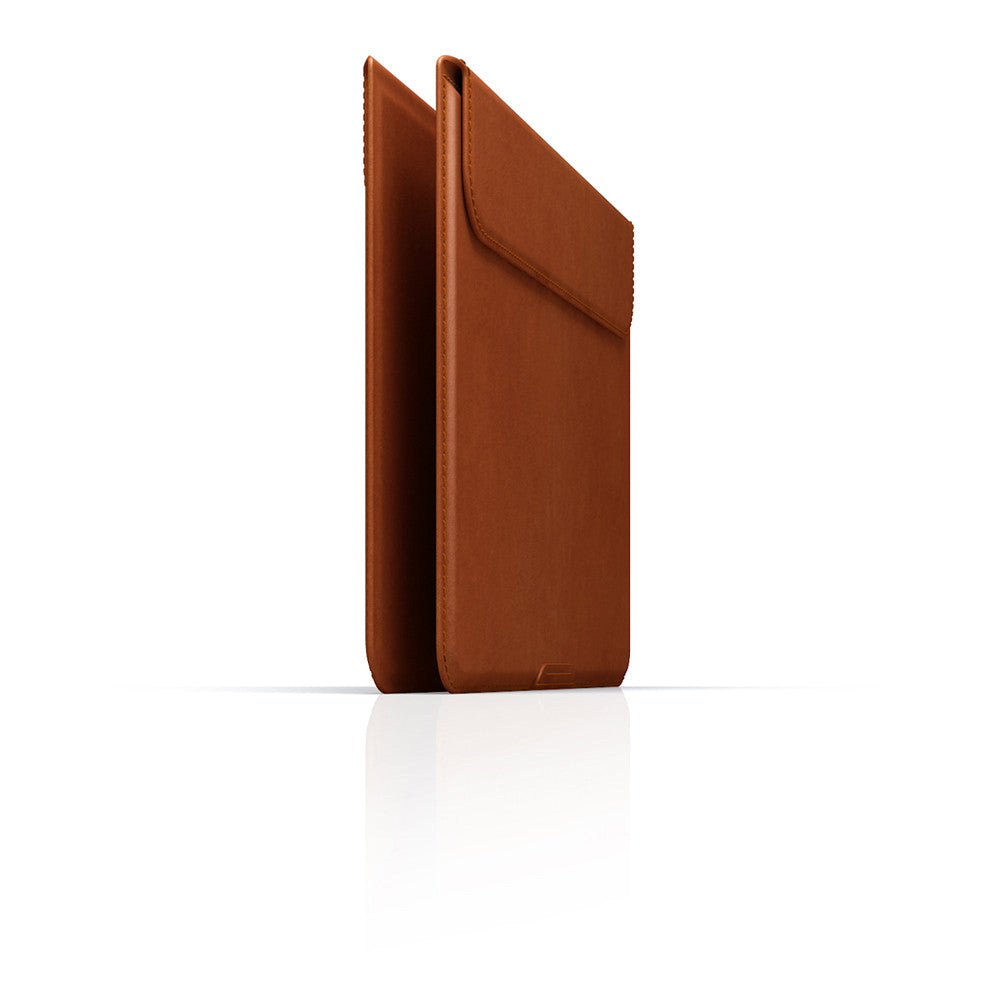 "D5 CAL Standing Pouch for MacBook 12"" Tan"