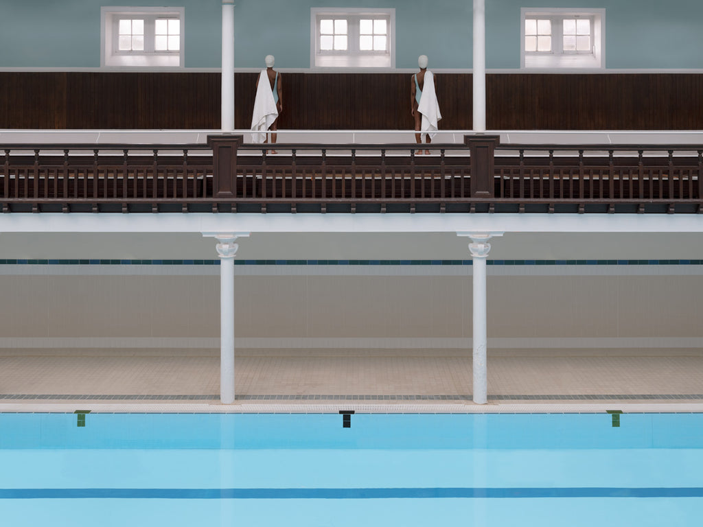 SWIMMERS IN THE GALLERY PORTOBELLO
