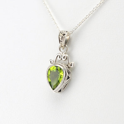Silver Peridot 7x10mm Pear Bali Necklace