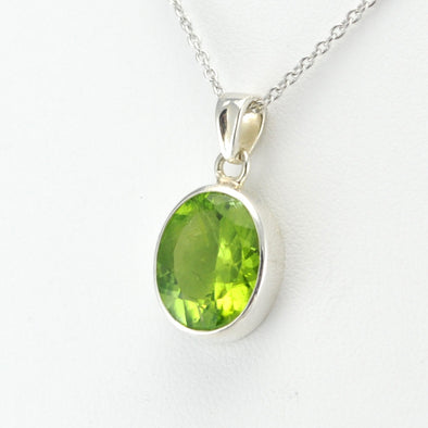 Silver Peridot 10x13mm Oval Necklace