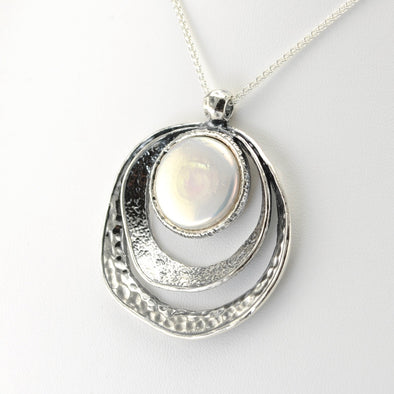 Silver Coin Pearl Circle Hammered Necklace