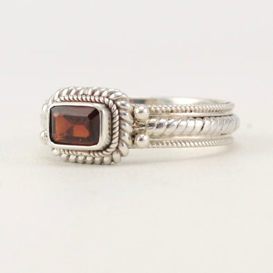 Garnet 4x6mm Rectangular Rope Ring