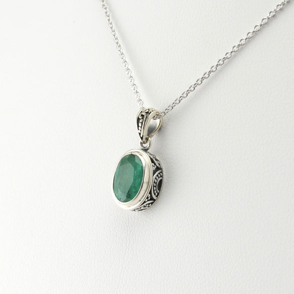 Silver Emerald Oval Bali Necklace