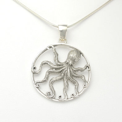 Silver Octopus Round Pendant