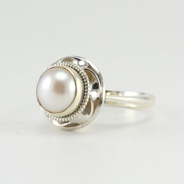 Silver 9mm Pearl Ring