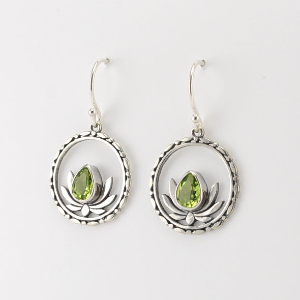 Silver Peridot Circle Lotus Earrings