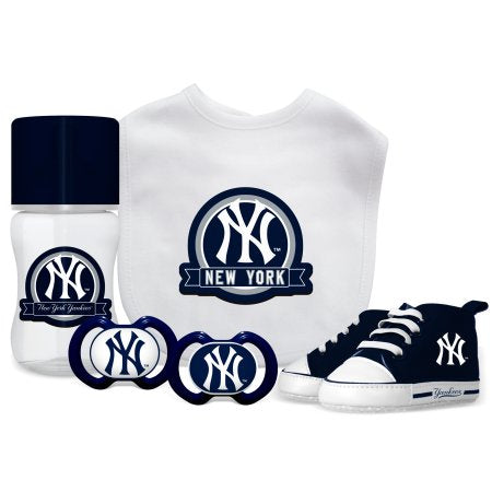 MLB New York Yankees 5-Piece Baby Gift Set