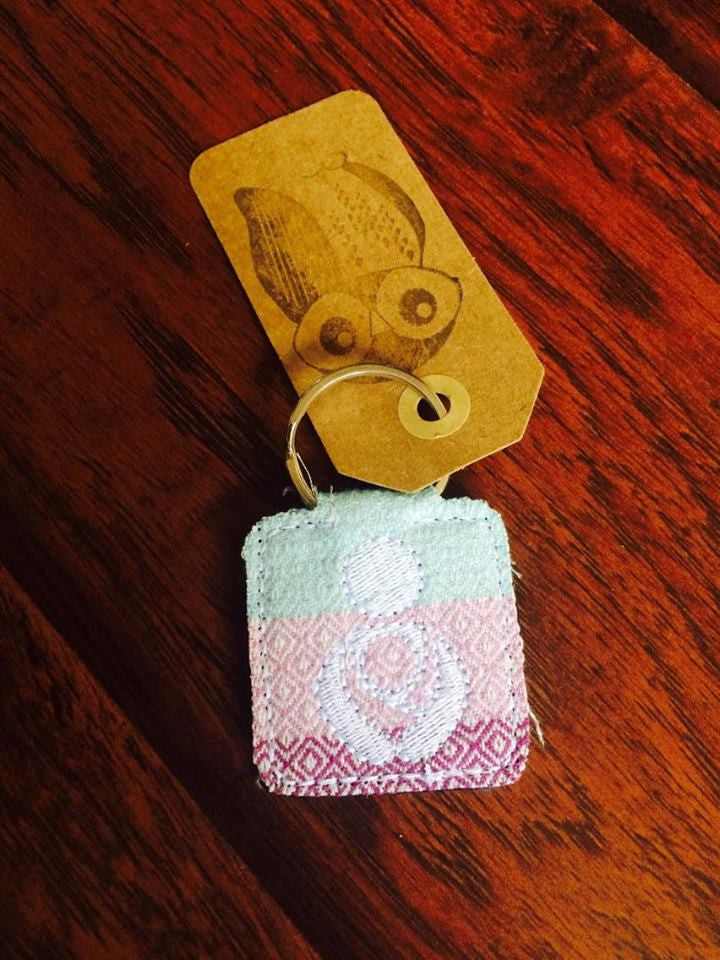Babywearing Keychain - Hug and Cuddles