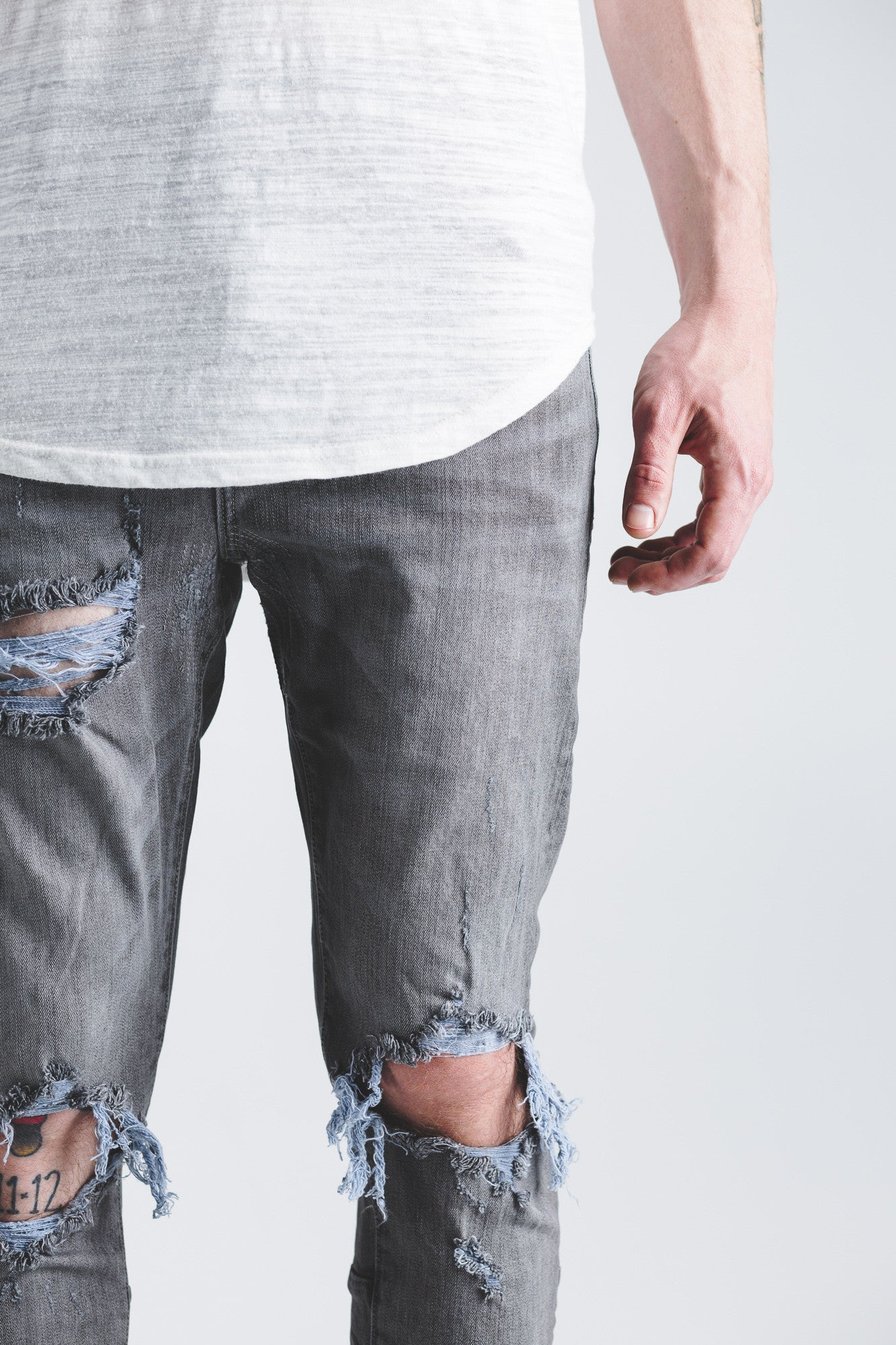 PACIFIC DENIM (SLATE RIPPED)