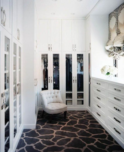 Interior Trends Giraffe - Giraffe Carpet - Dressing Rooms - Decorate using Giraffe Print