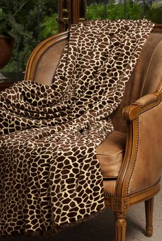 Giraffe Print Throw - Luxury Blanket - Interior Trends Giraffe - NoticeBoardStore