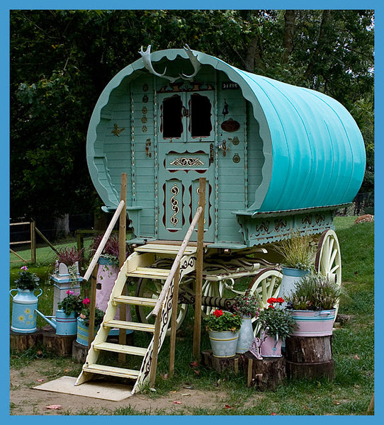 Fantasy Gypsy caravan she shed to hire for weddings Prinkash Deer Park Gloucester NoticeBoardStore.com