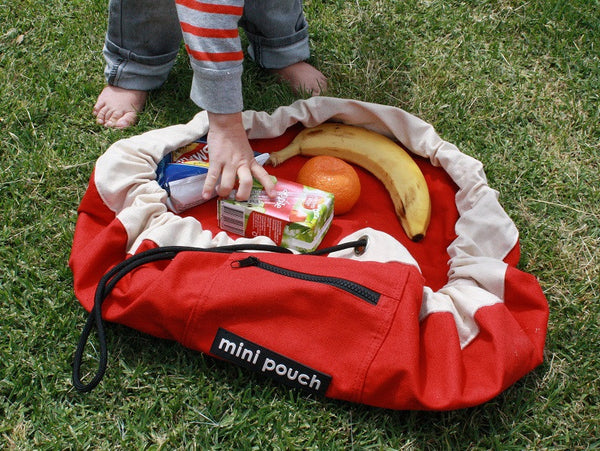 mini pouch rocket red picinic.JPG