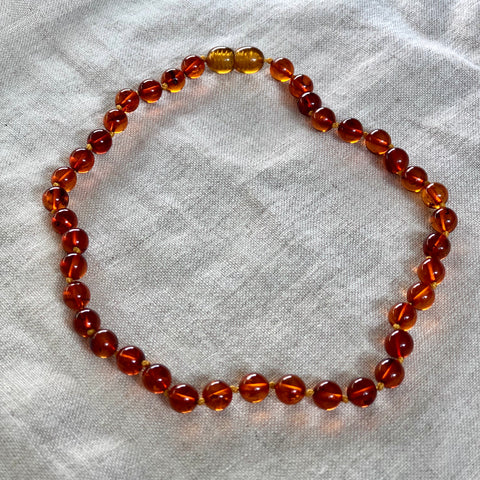 The Ultimate | Baltic Amber Child Screw Clasp Necklace