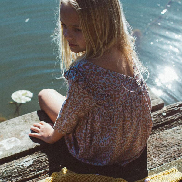 LITTLE SEEKER V DRESS | WILD EARTH