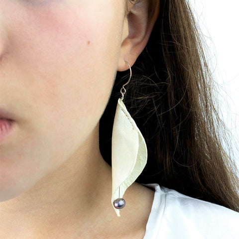 Cala Lilly Leather and Freshwater Pearl Earring