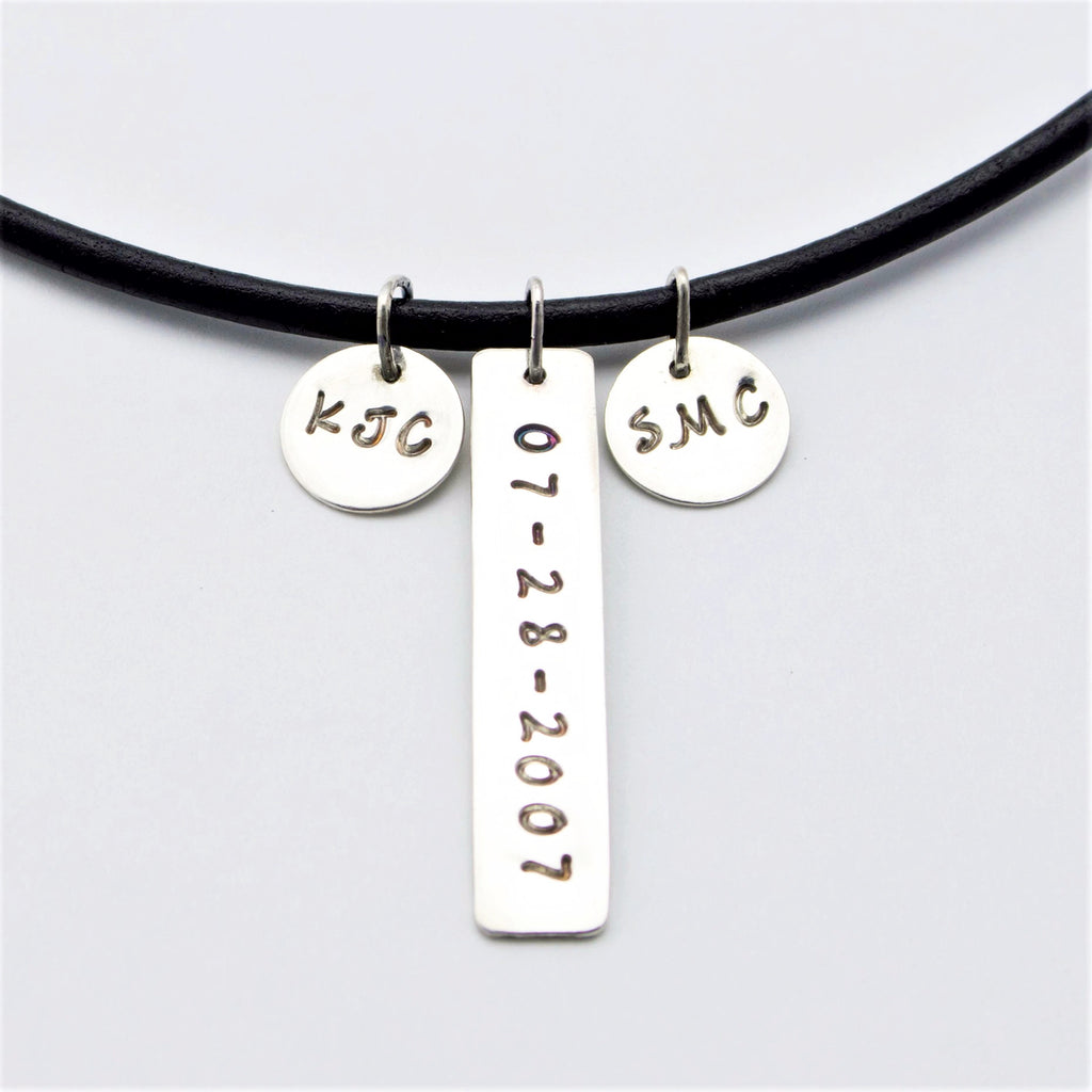 anniversary product kiss pendant roman diamond numeral and x tin