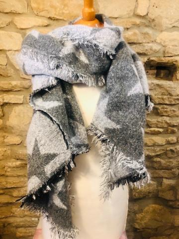 Wooly Grey Star Scarf