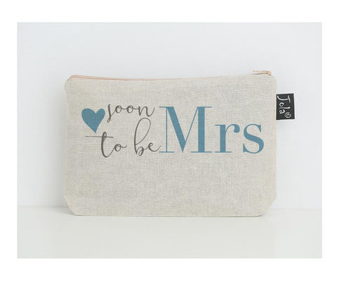 Soon to be Mrs Make up Bag