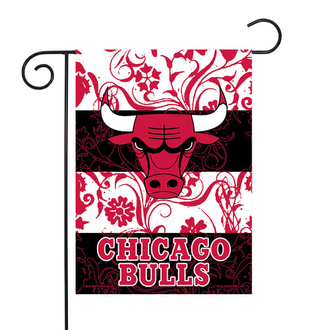 "BULLS GARDEN FLAG (13"" X 18"") WITH POLE"