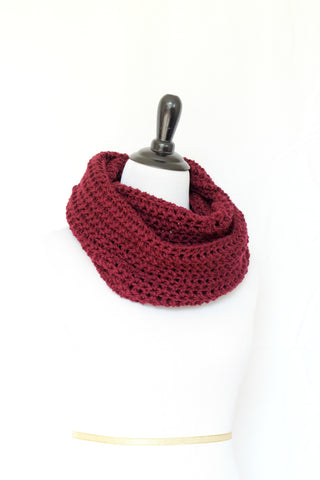 Crochet cowl in burgundy color, chunky infinity scarf - 12 colors available
