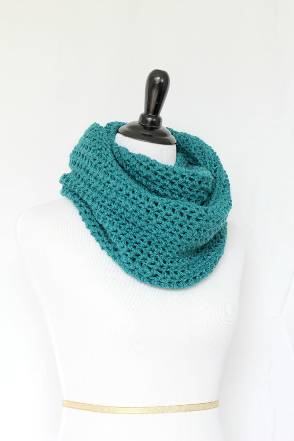 Crochet cowl in teal color, chunky infinity scarf - 12 colors available