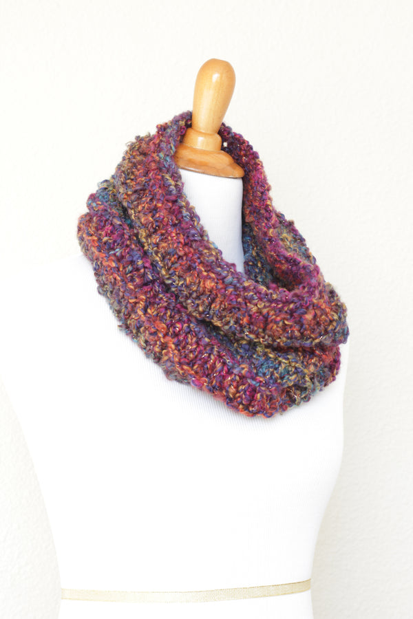 Crochet cowl in red and purple colors, chunky infinity scarf - 3 colorways available