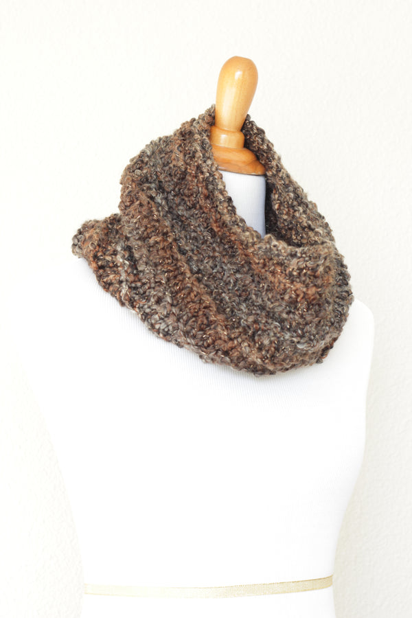 Crochet cowl in brown and grey colors, chunky infinity scarf - 4 colorways available