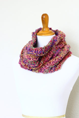 Crochet cowl in pink and bluw colors, chunky infinity scarf - 4 colorways available