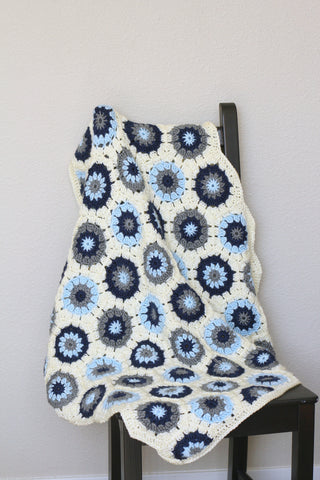 Crochet baby blanket, hexagon blanket in blue, navy and grey colors, newborn blanket, baby shower