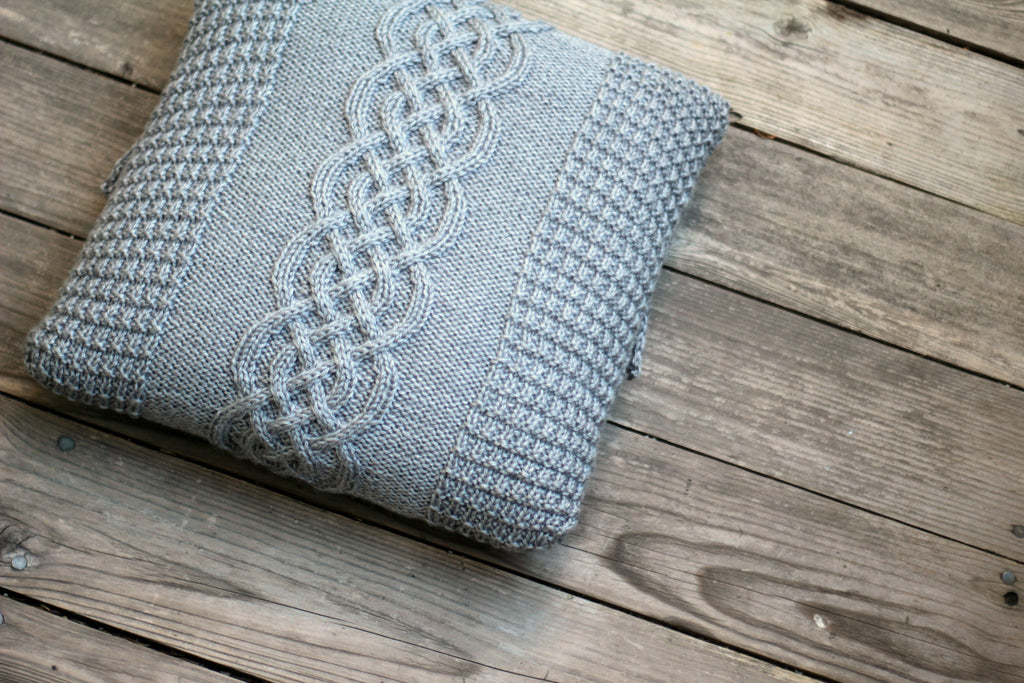 ... Knit pillow cover with cable & Knitted pillow case pattern DIY knitting tutorial knitting ... pillowsntoast.com