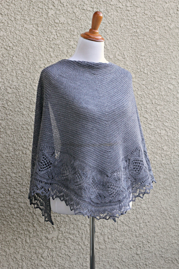 Knit Shawl With Laced Border In Grey Color Kgthreads