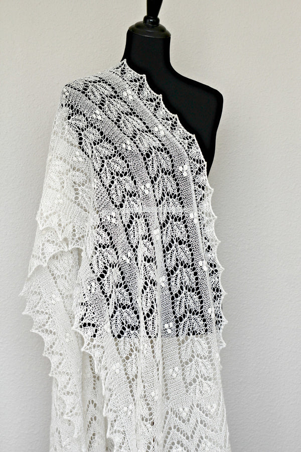 Wedding shawl, bridal shawl, lace shawl in ivory color